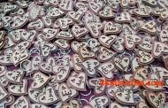 الميداليات والحروف: أدوات شعبية لإعلان الحب.. قديمة وما تزال مطلوبة