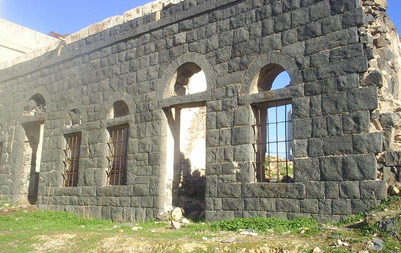 أعتاب وفحوصة (صورة من قرية عمراوة شمال الرمثا)